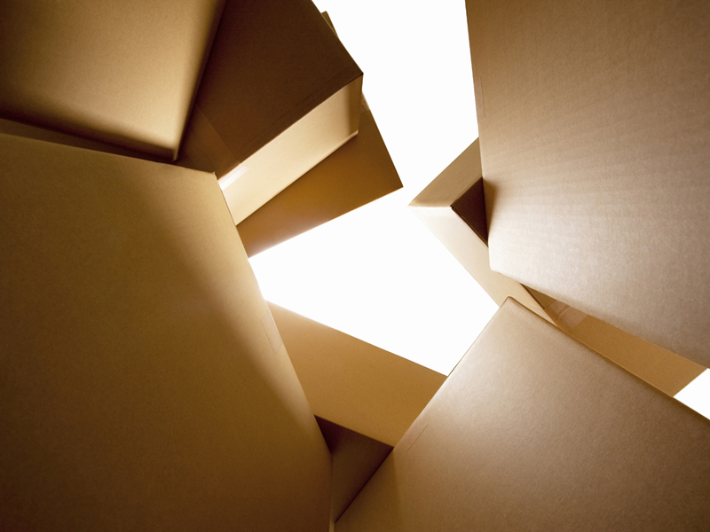 Si desea puede comunicarse y con gusto le explicaremos a detalle los materiales empleados en cajas sobre medida, de línea, y demás.